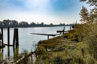 """Photo 37: 1 800 SOUTH DYKE Road in New Westminster: Queensborough House for sale in """"Queensborough Marina"""" : MLS®# R2516453"""
