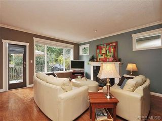 Photo 2: 969 Cavalcade Terr in VICTORIA: La Florence Lake House for sale (Langford)  : MLS®# 622566