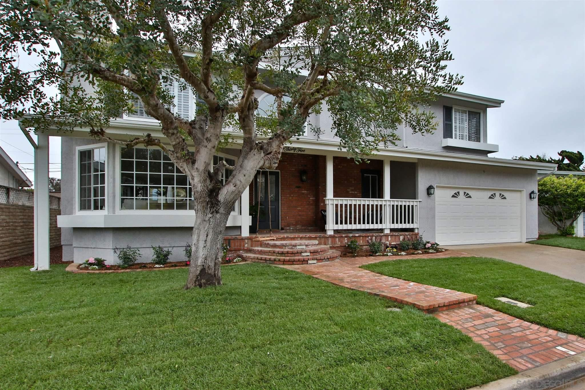 Main Photo: POINT LOMA House for sale : 4 bedrooms : 735 Temple St in San Diego