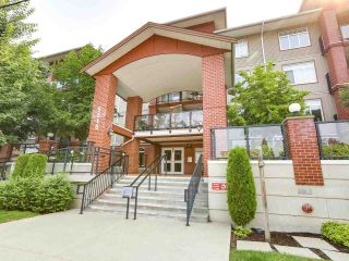 Photo 18: 103 5516 198 Street in Langley: Langley City Condo for sale : MLS®# R2194911