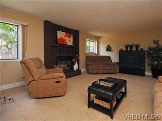 Photo 3: 7718 Grieve Cres in SAANICHTON: CS Saanichton House for sale (Central Saanich)  : MLS®# 579266
