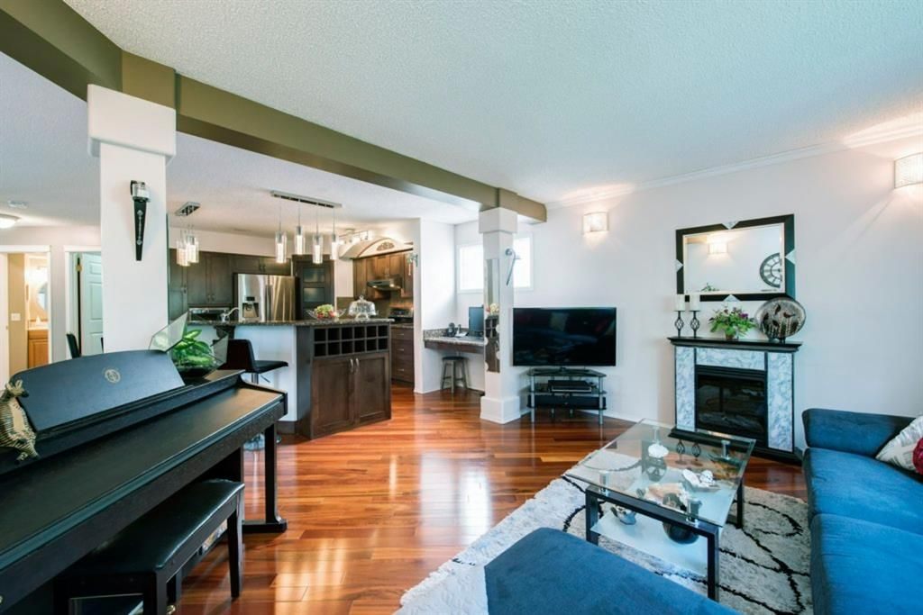 Photo 11: Photos: 10 MT BREWSTER Circle SE in Calgary: McKenzie Lake Detached for sale : MLS®# A1025122