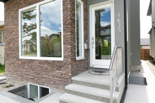 Photo 3: 1635 23 Avenue NW in Calgary: Capitol Hill Detached for sale : MLS®# A1117100