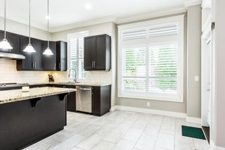 """Photo 4: 6074 163B Street in Surrey: Cloverdale BC House for sale in """"West Cloverdale"""" (Cloverdale)  : MLS®# R2624058"""