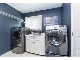"""Photo 11: 3728 SQUAMISH Crescent in Abbotsford: Central Abbotsford House for sale in """"Parkside Estates"""" : MLS®# R2460054"""