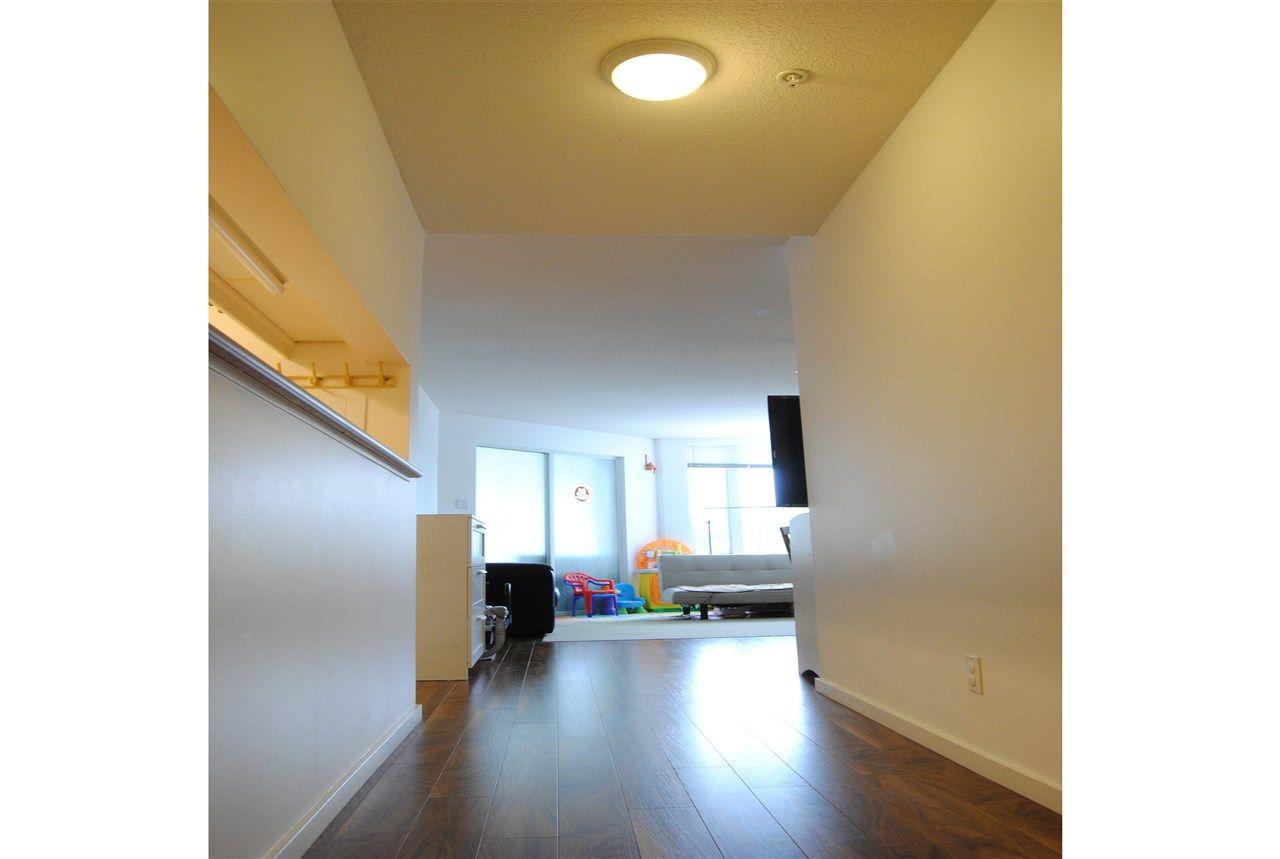 """Photo 12: Photos: 301 14820 104TH Avenue in Surrey: Guildford Condo for sale in """"CAMELOT"""" (North Surrey)  : MLS®# R2128065"""