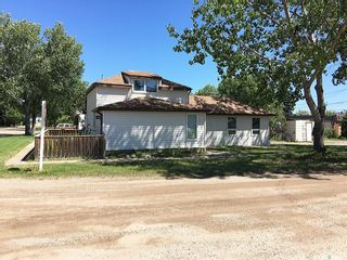 Photo 2: 209 1st Street East in Dinsmore: Residential for sale : MLS®# SK840821