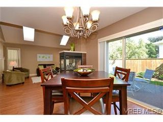 Photo 3: 3211 Ernhill Pl in VICTORIA: La Walfred Row/Townhouse for sale (Langford)  : MLS®# 590123