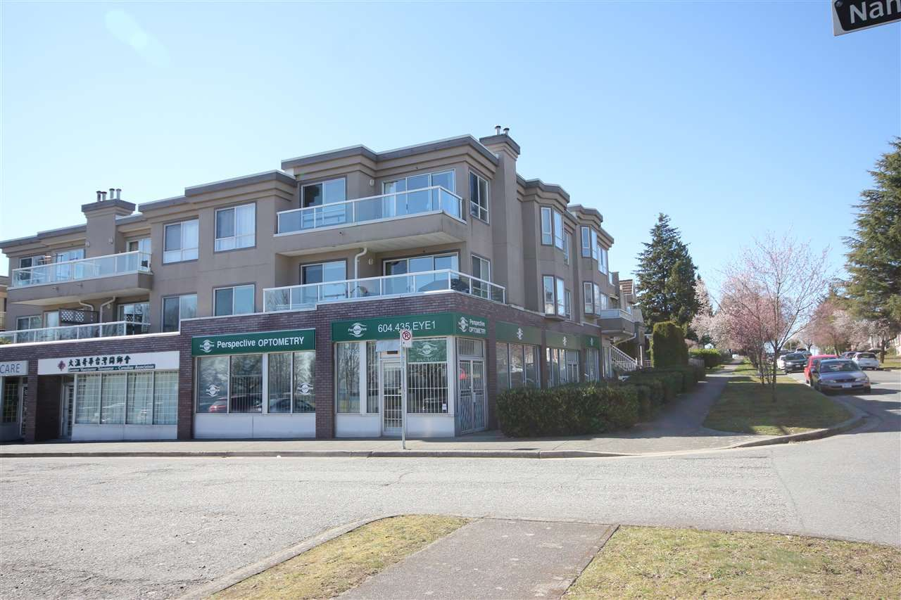 Main Photo: 203 2288 NEWPORT Avenue in Vancouver: Fraserview VE Condo for sale (Vancouver East)  : MLS®# R2445533