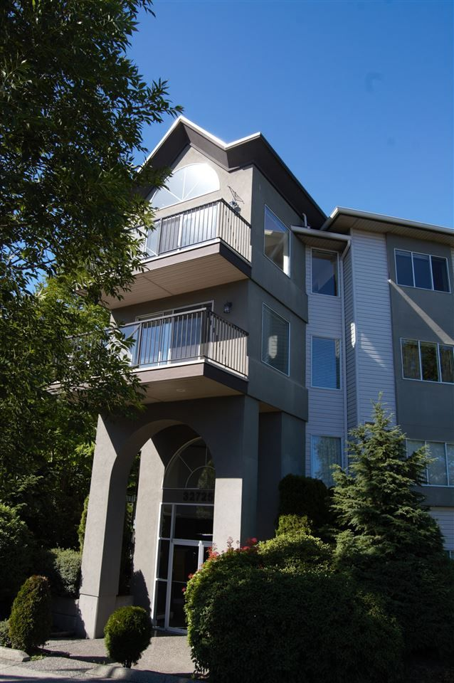 """Main Photo: 311 32725 GEORGE FERGUSON Way in Abbotsford: Abbotsford West Condo for sale in """"Uptown"""" : MLS®# R2182713"""