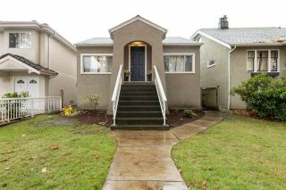 Photo 1: 942 E 21ST AVENUE in Vancouver: Fraser VE House for sale (Vancouver East)  : MLS®# R2118036