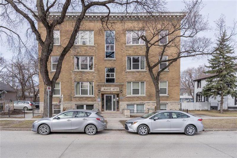 FEATURED LISTING: 14 - 854 Alverstone Street Winnipeg