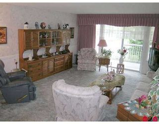 """Photo 2: 32691 GARIBALDI Drive in Abbotsford: Abbotsford West Townhouse for sale in """"CARRIAGE LANE"""" : MLS®# F2626920"""