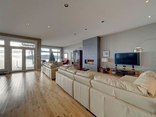 Photo 5: 6169 SUNSHINE COAST Highway in Sechelt: Sechelt District House for sale (Sunshine Coast)  : MLS®# R2523526