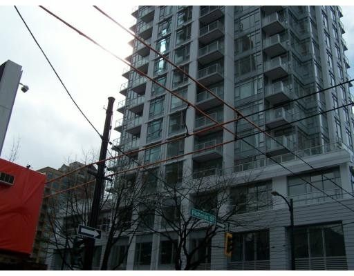 """Main Photo: 704 480 ROBSON Street in Vancouver: Downtown VW Condo for sale in """"R & R"""" (Vancouver West)  : MLS®# V676953"""