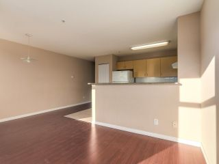 Photo 9: 212 5625 SENLAC STREET in Vancouver: Killarney VE Townhouse for sale (Vancouver East)  : MLS®# R2418906