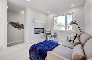 Photo 5: 2119 12 Street NW in Calgary: Capitol Hill Row/Townhouse for sale : MLS®# A1056315