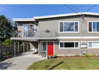 "Photo 1: 5243 57A Street in Ladner: Hawthorne 1/2 Duplex for sale in ""HAWTHORNE"" : MLS®# V984688"