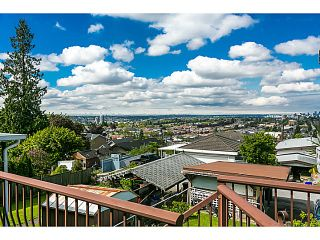 """Photo 7: 321 HYTHE Avenue in Burnaby: Capitol Hill BN House for sale in """"CAPITOL HILL"""" (Burnaby North)  : MLS®# V1123724"""