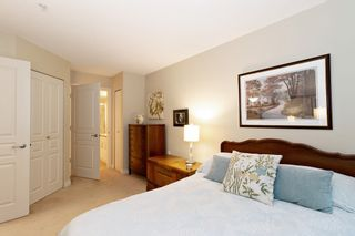 """Photo 7: 205 960 LYNN VALLEY Road in North Vancouver: Lynn Valley Condo for sale in """"Balmoral House"""" : MLS®# R2502603"""