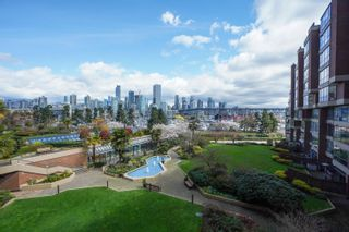 """Photo 16: 301 1470 PENNYFARTHING Drive in Vancouver: False Creek Condo for sale in """"Harbour Cove"""" (Vancouver West)  : MLS®# R2563951"""