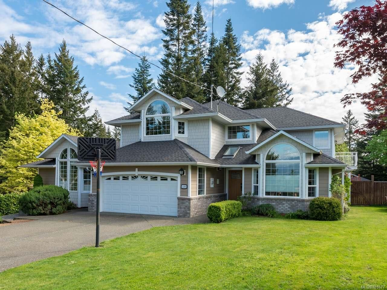 Main Photo: 1230 Glen Urquhart Dr in COURTENAY: CV Courtenay East House for sale (Comox Valley)  : MLS®# 781677