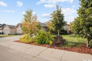 Photo 3: 230 Maguire Court in Saskatoon: Willowgrove Residential for sale : MLS®# SK873818