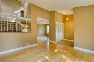 Photo 5: 240 Scenic Way NW in Calgary: Scenic Acres Detached for sale : MLS®# A1125995
