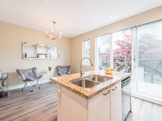 """Photo 10: 263 2501 161A Street in Surrey: Grandview Surrey Townhouse for sale in """"Highland Park"""" (South Surrey White Rock)  : MLS®# R2467326"""
