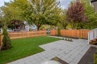 Photo 2: 1230 E 11TH Avenue in Vancouver: Mount Pleasant VE 1/2 Duplex for sale (Vancouver East)  : MLS®# R2216044