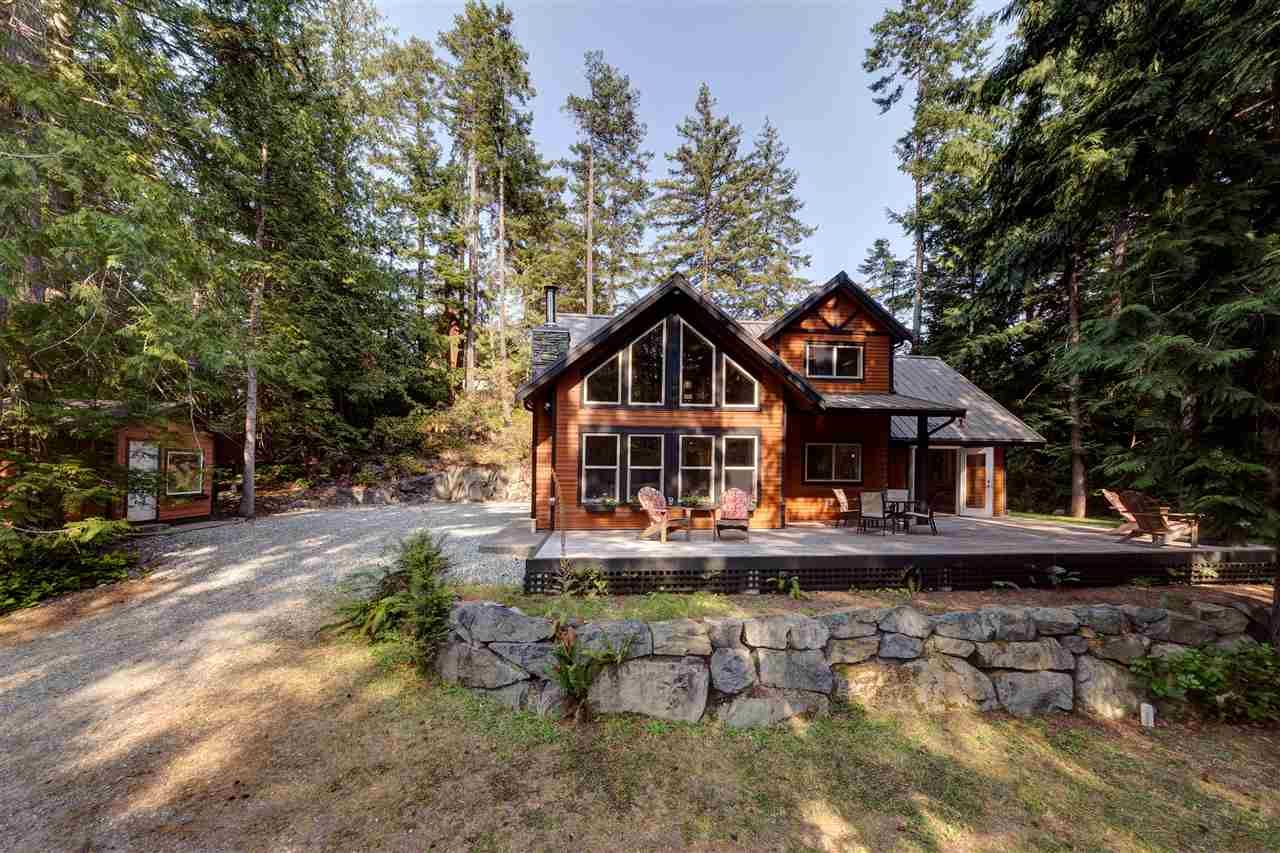 Main Photo: 12752 RONDEVIEW Place in Madeira Park: Pender Harbour Egmont House for sale (Sunshine Coast)  : MLS®# R2194829