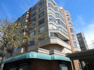 """Photo 1: 503 15111 RUSSELL Avenue: White Rock Condo for sale in """"Pacific Terrace"""" (South Surrey White Rock)  : MLS®# R2576194"""
