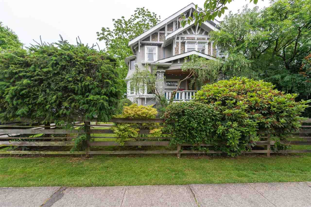 Main Photo: 1902 BLENHEIM Street in Vancouver: Kitsilano House for sale (Vancouver West)  : MLS®# R2079210