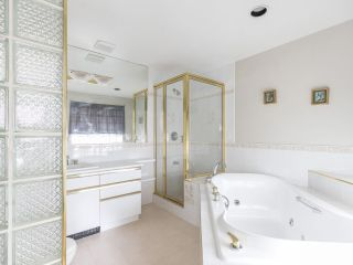 """Photo 8: 4228 W 11TH Avenue in Vancouver: Point Grey House for sale in """"Point Grey"""" (Vancouver West)  : MLS®# R2542043"""