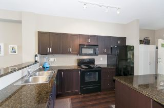 """Photo 9: 4 6956 193 Street in Surrey: Clayton Townhouse for sale in """"The Edge"""" (Cloverdale)  : MLS®# R2194953"""