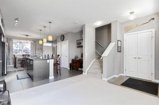 Photo 5: 304 Cranfield Common SE in Calgary: Cranston Row/Townhouse for sale : MLS®# A1154172