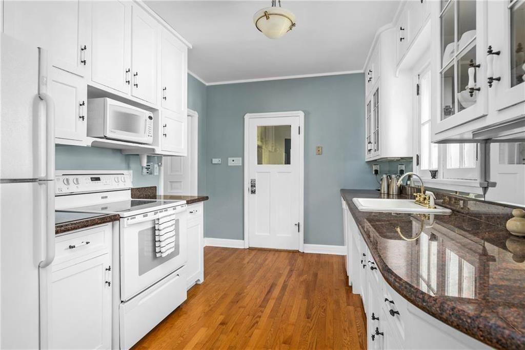 Photo 9: Photos: 117 Girton Boulevard in Winnipeg: Tuxedo Residential for sale (1E)  : MLS®# 202017491
