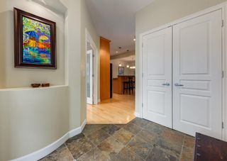 Photo 3: 2015 6 Avenue NW in Calgary: West Hillhurst Semi Detached for sale : MLS®# A1105815