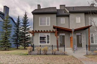 Photo 1: 89 CHAPALINA Square SE in Calgary: Chaparral Row/Townhouse for sale : MLS®# C4214901