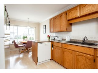 """Photo 3: 52 33922 KING Road in Abbotsford: Poplar Townhouse for sale in """"Kingsview Estates"""" : MLS®# R2347892"""