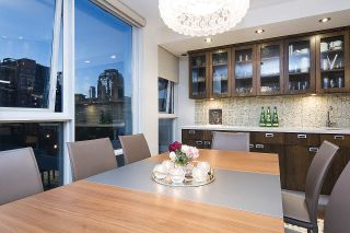 Photo 11: 801 1383 MARINASIDE CRESCENT in Vancouver: Yaletown Condo for sale (Vancouver West)  : MLS®# R2244068