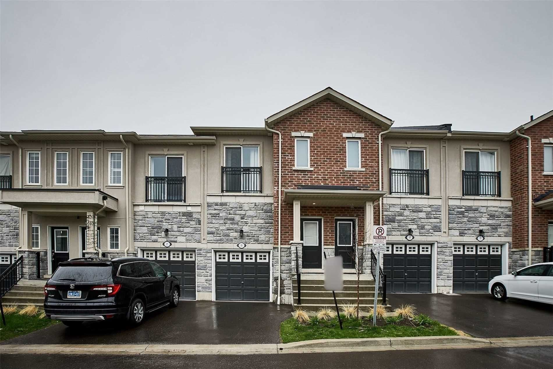 Main Photo: 15 Prospect Way in Whitby: Pringle Creek House (2-Storey) for sale : MLS®# E5262069