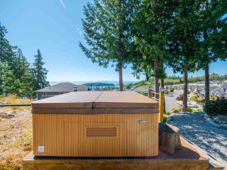 """Photo 27: 5557 PEREGRINE Crescent in Sechelt: Sechelt District House for sale in """"SilverStone Heights"""" (Sunshine Coast)  : MLS®# R2492023"""