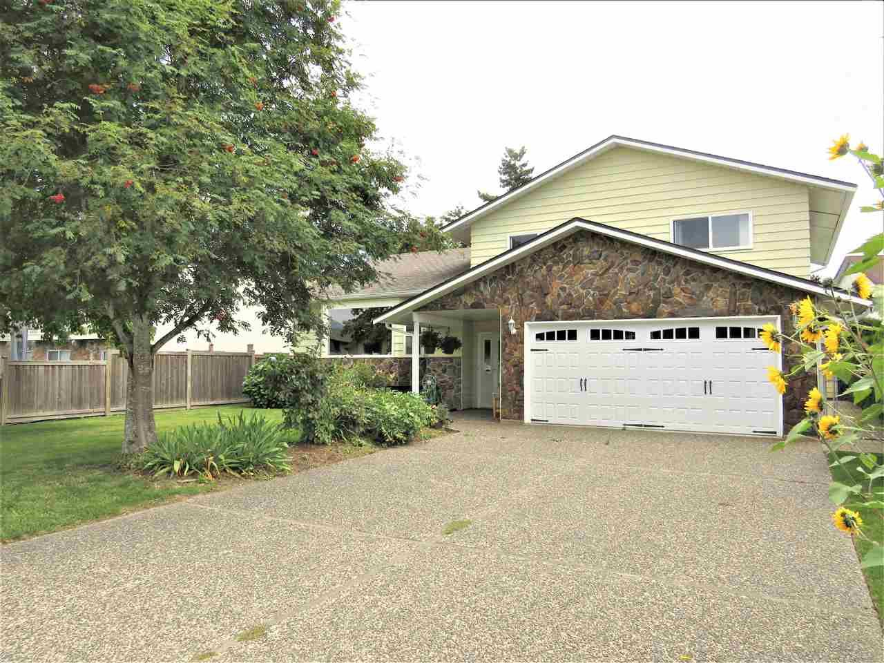 Main Photo: 6482 WILTSHIRE Street in Sardis: Sardis West Vedder Rd House for sale : MLS®# R2389613
