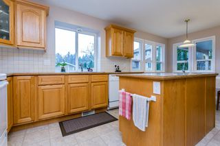 """Photo 7: 20610 90 Avenue in Langley: Walnut Grove House for sale in """"Forest Creek"""" : MLS®# R2034550"""