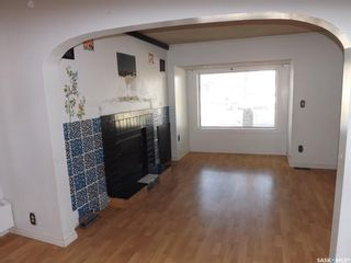Photo 4: 802 Henry Street in Estevan: Residential for sale : MLS®# SK803393
