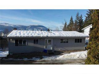 Photo 1: 1841 Southeast 9 Avenue in Salmon Arm: Hillcrest House for sale (SE Salmon Arm)  : MLS®# 10110481