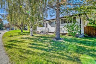 Photo 2: 959 Mayland Drive NE in Calgary: Mayland Heights Detached for sale : MLS®# A1147697