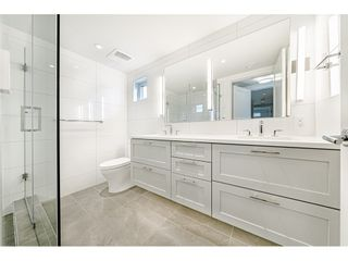 Photo 14: 421 525 E 2ND STREET in North Vancouver: Lower Lonsdale Townhouse for sale : MLS®# R2461578