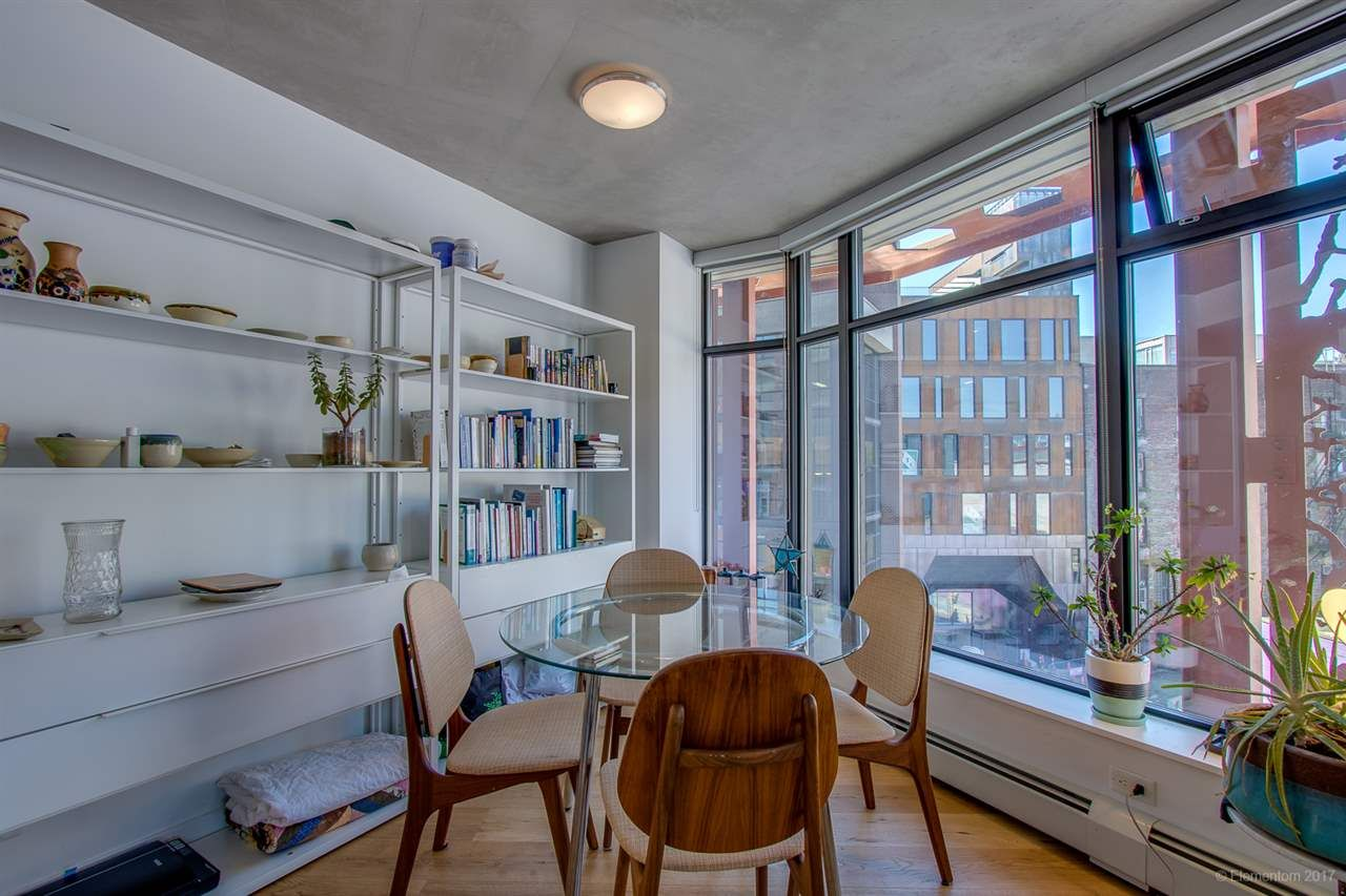 """Photo 6: Photos: 610 128 W CORDOVA Street in Vancouver: Downtown VW Condo for sale in """"WOODWARDS W43"""" (Vancouver West)  : MLS®# R2191922"""